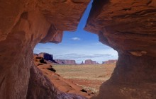 Navajo Pottery Arch - Monument Valley - Utah